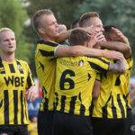 UNA gedegradeerd door Harkema; Rijnsburg haalt uit