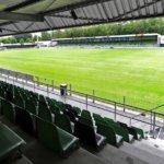 Supporters poetsen tribunes FC Dordrecht