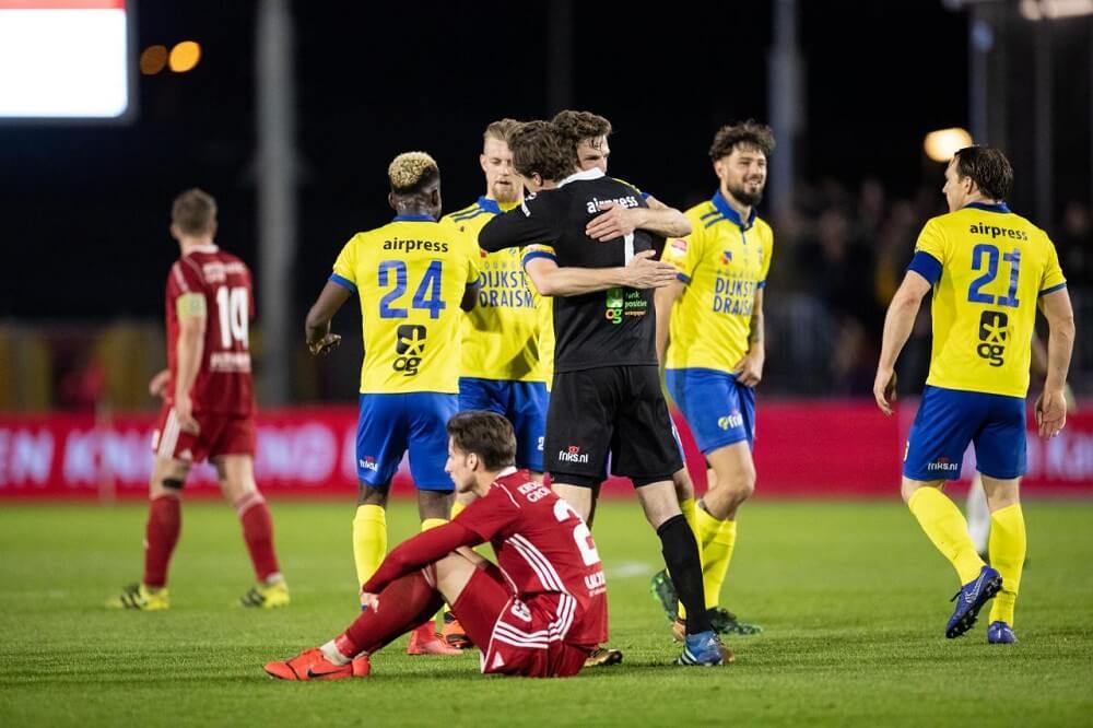 Cambuur Geeft Siekman Nieuwe Kans Verdediger Op Proef Voetbal247 Nl