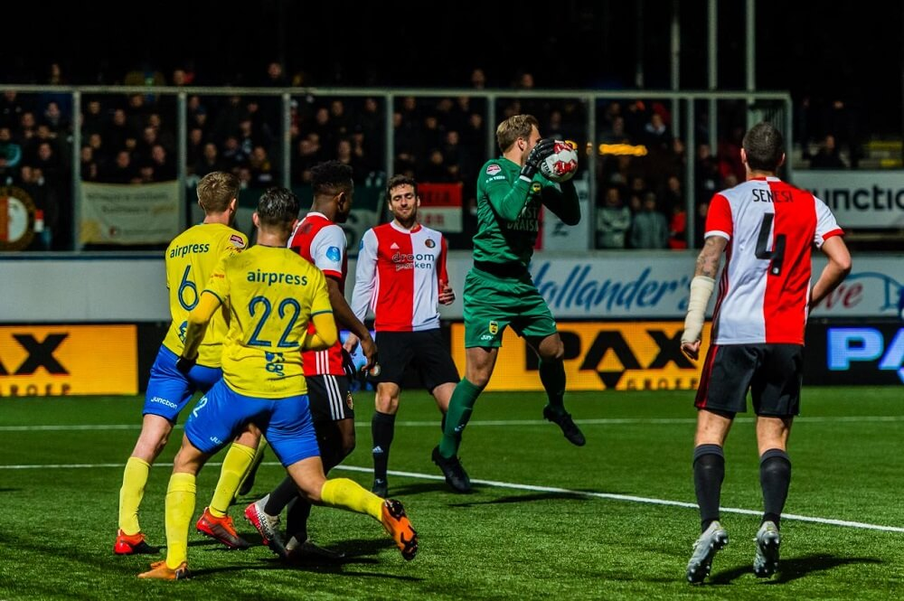 Knvb Beker Sc Cambuur Strijdend Ten Onder Tegen Feyenoord Voetbal247 Nl